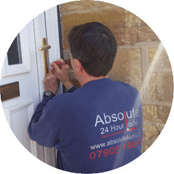 Non-Destructive-Locksmith-Horsforth-Andy-Love-picking-a-lock-for-lost-keys